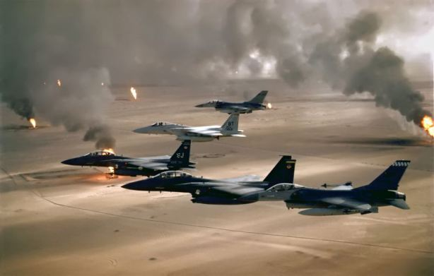F-16A, F-15C and F-15E flying during Desert Storm.(U.S. Air Force photo)