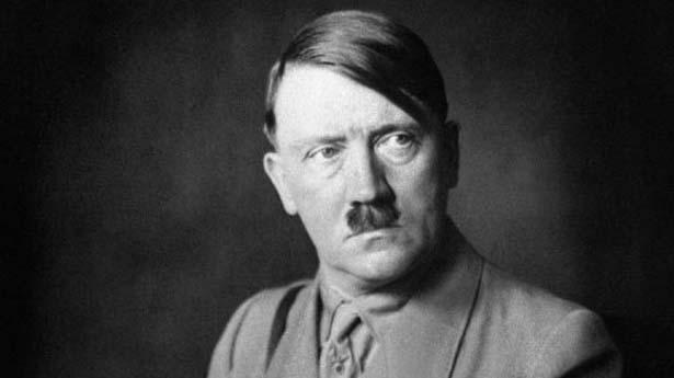 Tanggal 8 Mei 1945, Sekutu secara resmi menerima penyerahan tanpa syarat dari Nazi Jerman . Hitler bunuh diri seminggu sebelumnya pada tanggal 30 April .