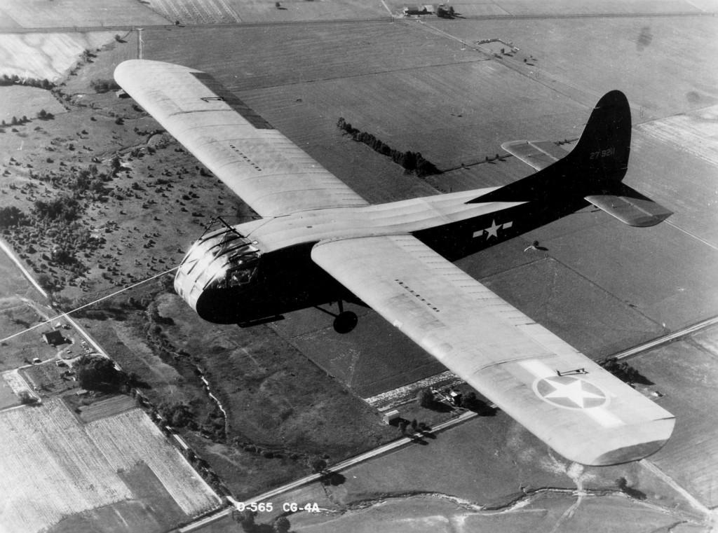 Waco CG - 4 yang digunakan dalam D-Day