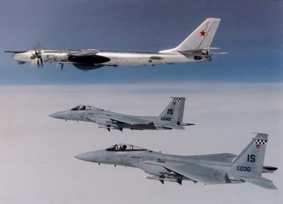 http://www.jejaktapak.com/wp-content/uploads/2014/08/F-15C-IS.jpg