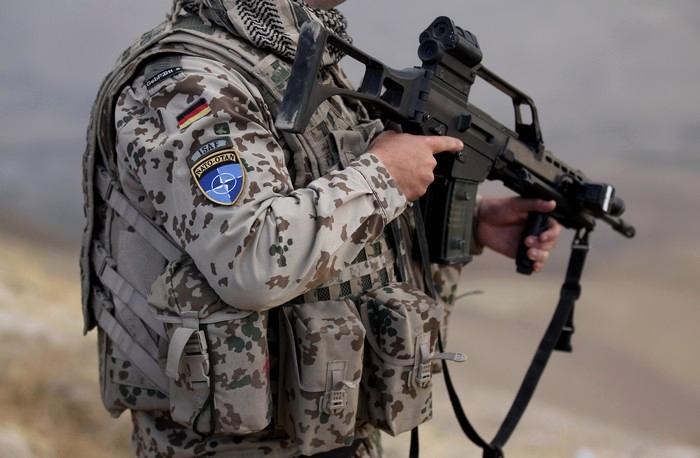 Hasil gambar untuk militer NATO