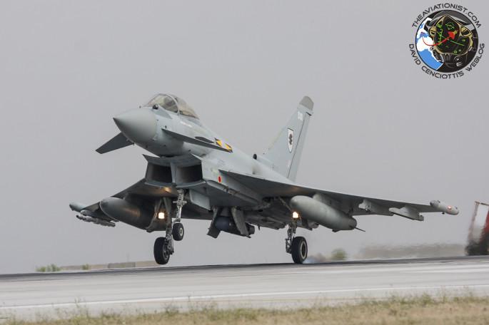 Typhoon-FGR4-one-wheel-touchdown-685x456