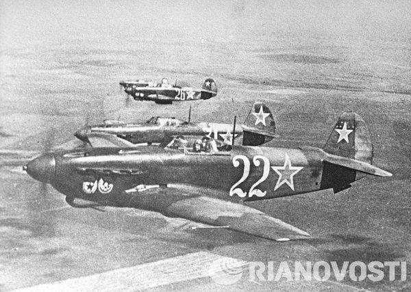 Yak-9, pesawat tempur bermesin tunggal yang sangat membantu Uni Soviet melawan Nazi di 1941-1945. Rusia menyebut pesawat ini sebagai patriot perang terbesar