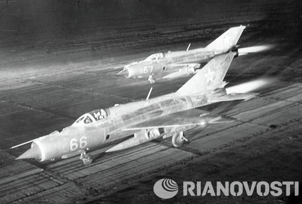 Mig-21 melesat sebelum melakukan misi intersepsi