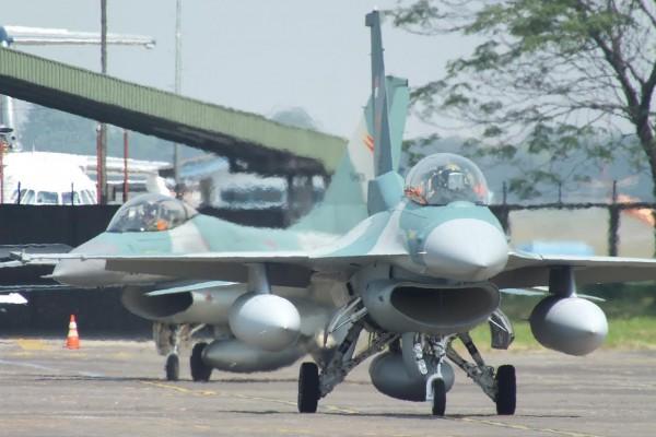 F-16 D 52ID TNI AU 1