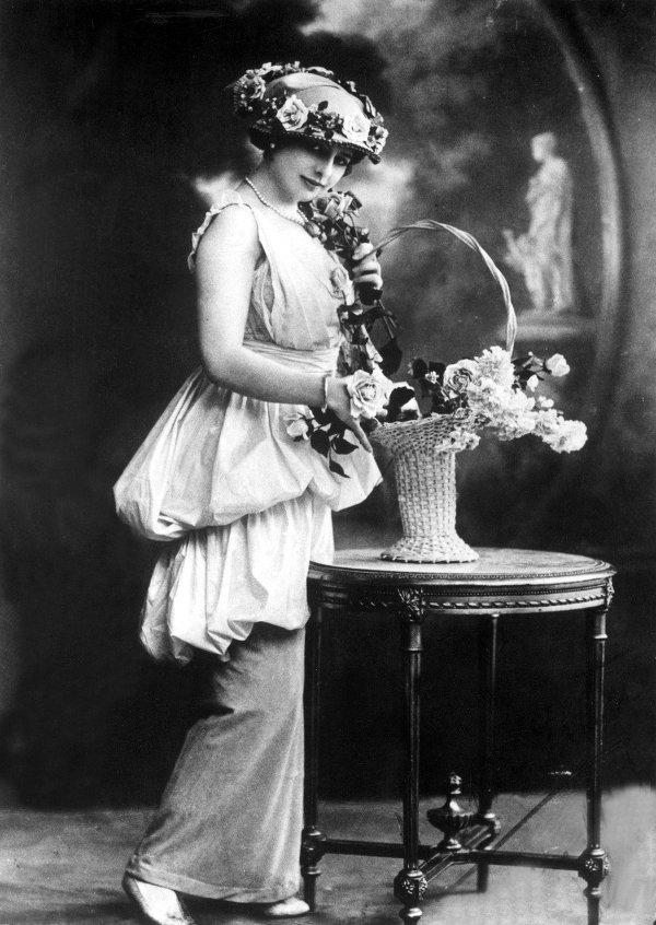 Mata Hari di 1910-an awal.