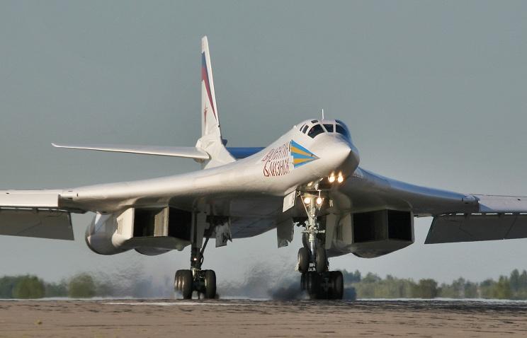 Tu-160 bomber nuclear strategic