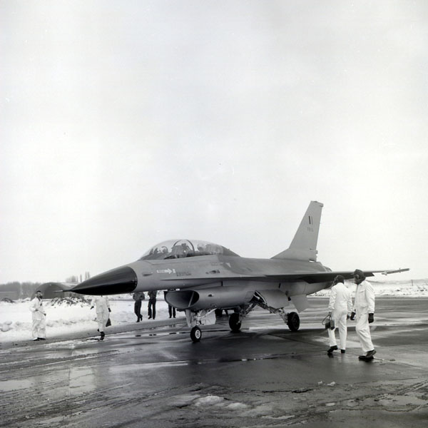 F-16 Eropa pertama Ini adalah F-16 pertama yang akan dikirim ke Angkatan Udara Belgia dan juga yang pertama F-16 yang datang dari jalur produksi Eropa. Pesawat disampaikan ke Beauvechain / Bevekom AB dalam musim dingin Januari 1979. penerbangan pertama ini dilakukan oleh Kolonel Jerry Singleton (USAF) dan Mayor Guy DeVolder (BAF)..