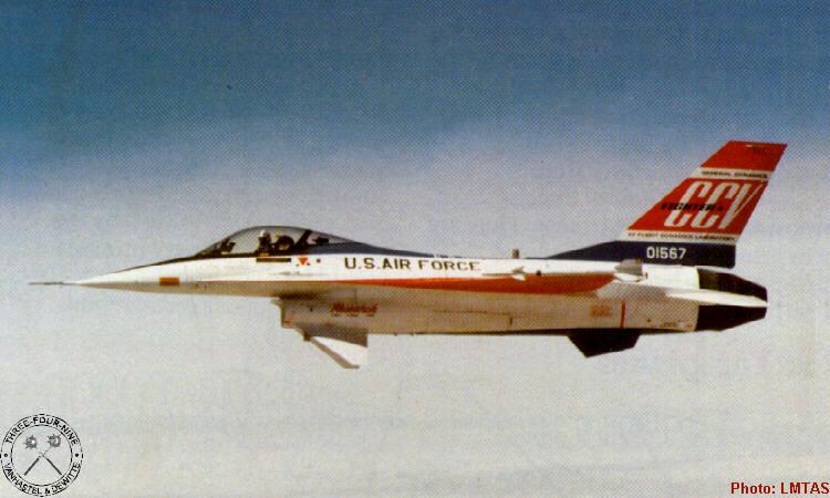 Twin Canards YF-16 (# 72-1567) dibangun kembali pada bulan Desember 1975 di USAF Flight Dynamics Laboratory's Control Configured Vehicle (CCV). Pesawat CCV memiliki permukaan independen atau kontrol penerbangan 'dipisahkan', yang memungkinkan untuk bermanuver dalam satu pesawat tanpa gerakan lain - misalnya, mengubah tanpa harus ke bank. Untuk mencapai hal ini, kontrol penerbangan pesawat yang dimodifikasi dan dilengkapi dengan canards vertikal kembar di bawah air intake. Penerbangan pertama dalam peran CCV pada 16 Maret 1976 dan tes berlangsung sampai 31 Juli 1977. Pada 24 Juni 1976 mengalami kerusakan ketika mesin gagal selama siklus pendaratan. Pesawat diperbaiki tapi rusak lagi dalam hard landing pada bulan Juli 1977.
