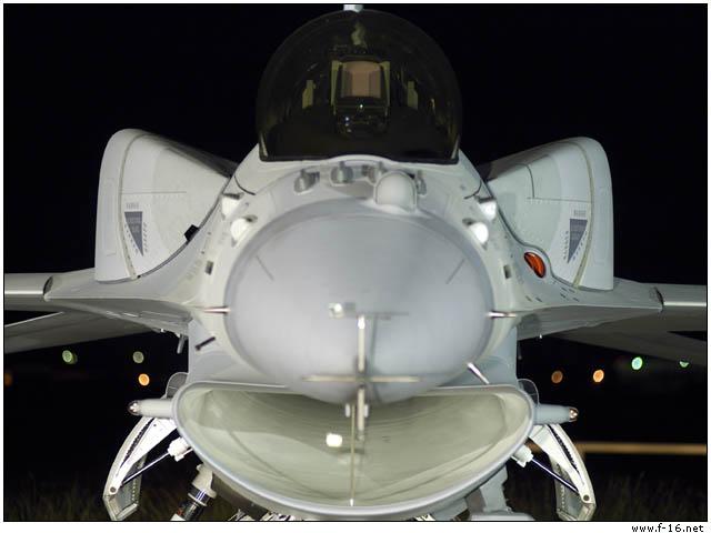 Blok 60 pertama Yang pertama dari F-16 blok 60, khusus dibangun untuk Angkatan Udara Uni Emirat Arab. Pesawat ini memiliki Conformal Fuel Tank (CFT), dan tulang punggung dengan yang sama sekali berbeda dari avionik dari 'standar' F-16. Ini menjadi yang paling canggih dari varian F-16 sehingga yang paling canggih F-16 tipe yang dikembangkan sejauh ini. Jet mengenakan pendaftaran N161LM sipil untuk penerbangan pertama