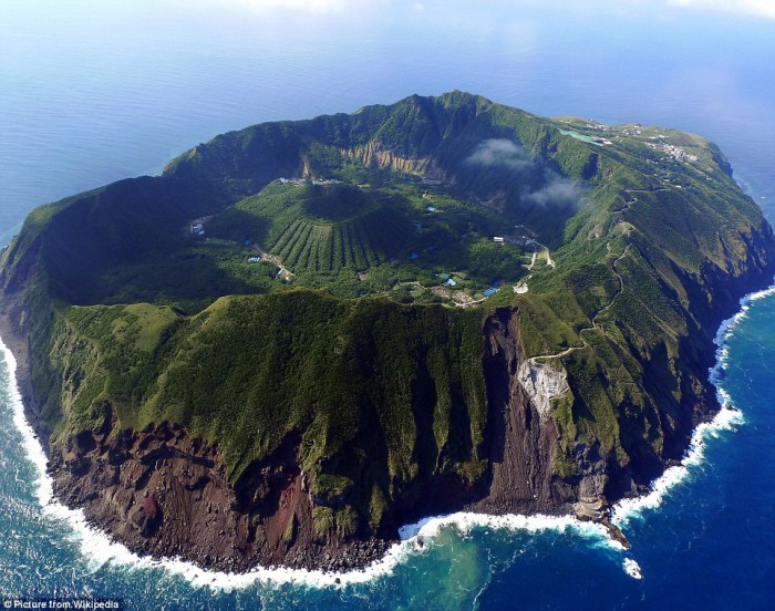 Aogashima, Philippine Sea