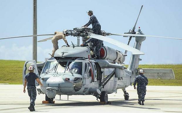 Pada dinding di di sebuah bangunan markas Helicopter Sea Combat (HSC