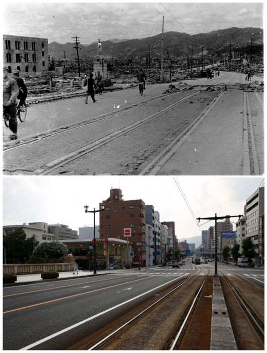 Warga setempat berjalan dekat Aioi Bridge di Hiroshima, setelah bom atom Hiroshima pada 6 Agustus 1945, dan lokasi yang sama pada tanggal 28 Juli 2015.