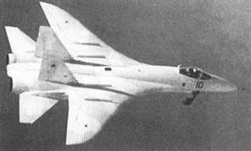 Prototip T-10 saat terbang pertama