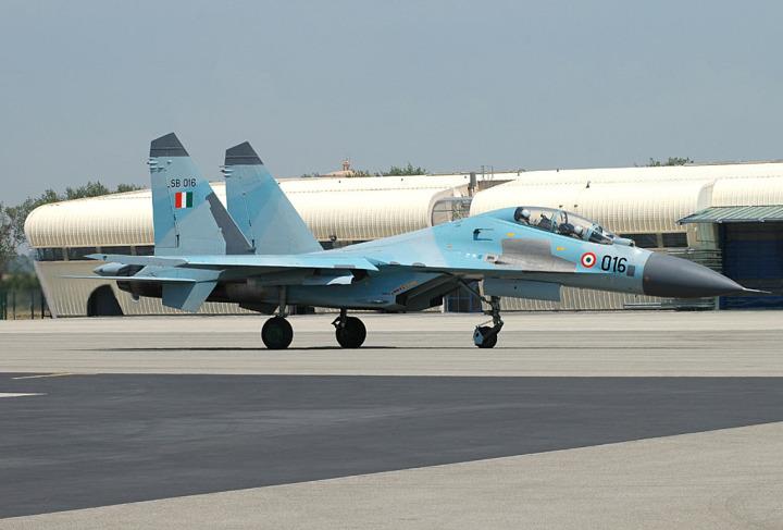 Salah satu dari 10 Su-30MK yang dibeli Angkatan Udara India.