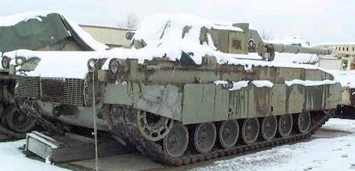 M1 Abrams dengan senapan 105mm