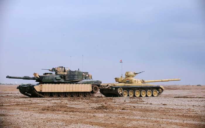 M1 Abrams (kiri) dan T-72 Irak