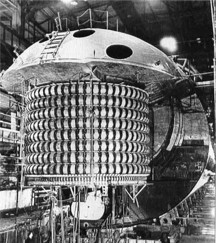 K-38 alias Victor pertama sedang di bawah konstruksi