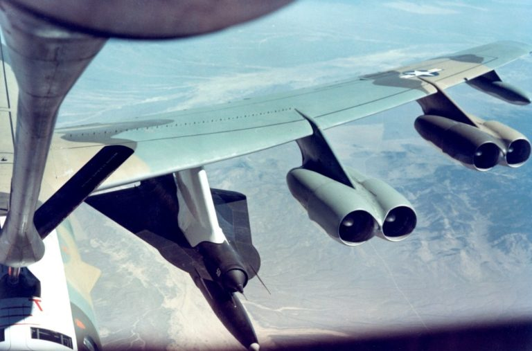 B-52_with_D-21-768x507