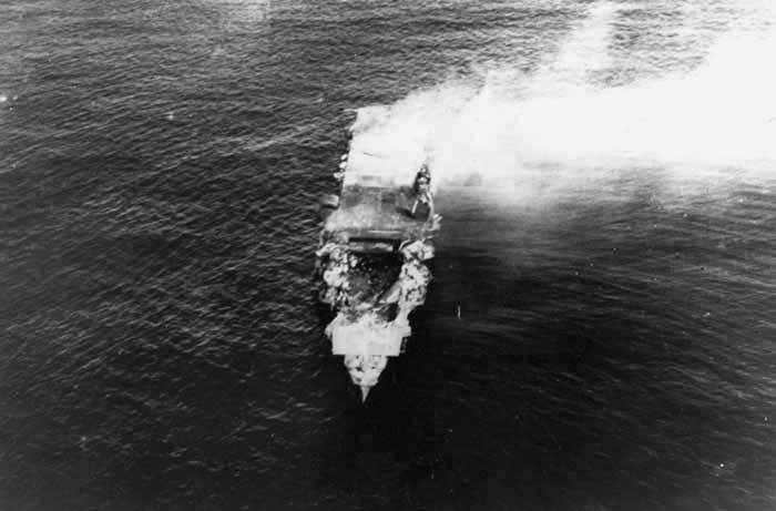 Kapal Induk Jepang Hiryū rusak parah di Midway