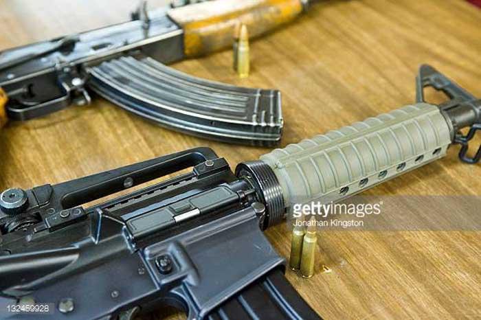 Dari Semua Sisi, M16 vs AK-47 Siapa Yang Lebih Baik?