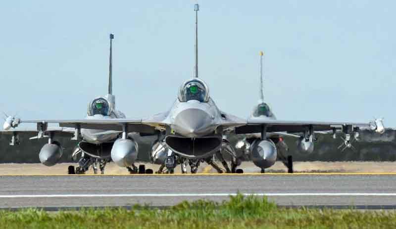 Стая американских F-16 пойдет на Крым из-под